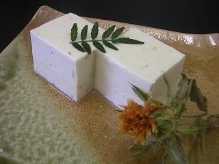 伊賀の紅花豆腐