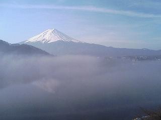 河口湖畔からの富士山